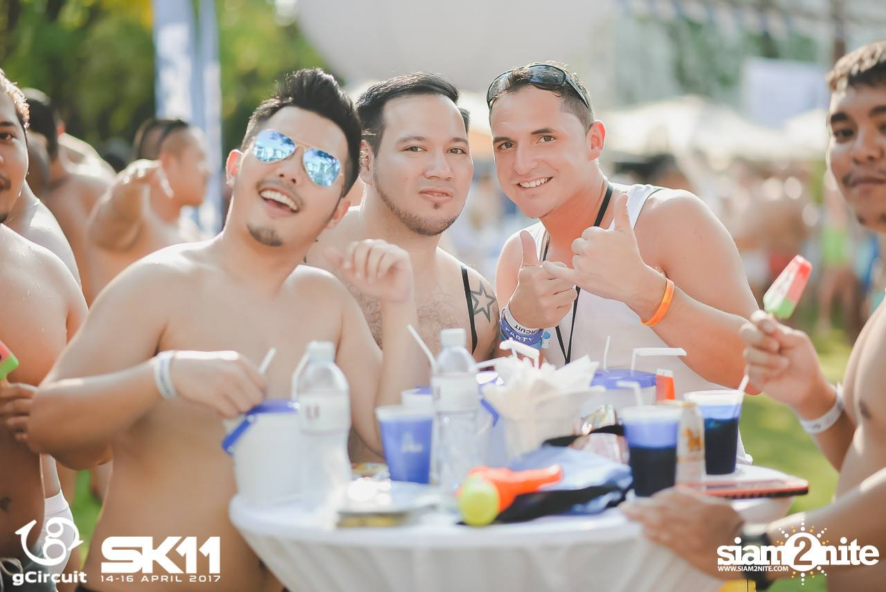 AQUA BEAR POOL PARTY  FOR SUPER SONG KRAN 11